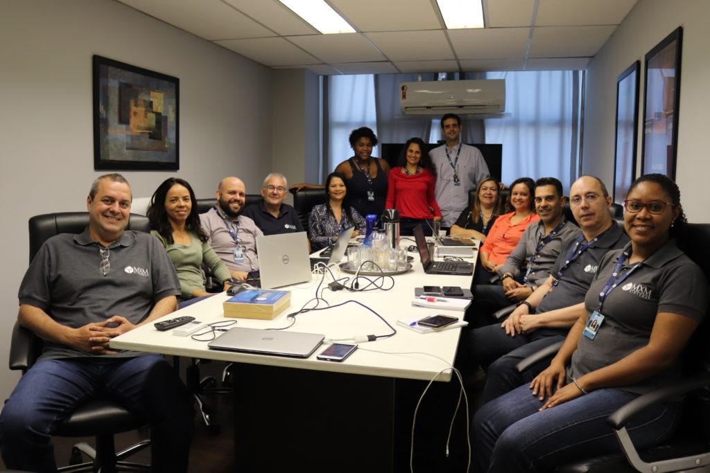 Workshop interno capacita colaboradores MXM na utilização de novo módulo de gestão de implantação